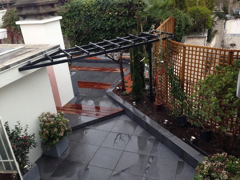une terrasse neuilly sur seine contemporaine v g tation m diterran enne et aux couleurs. Black Bedroom Furniture Sets. Home Design Ideas